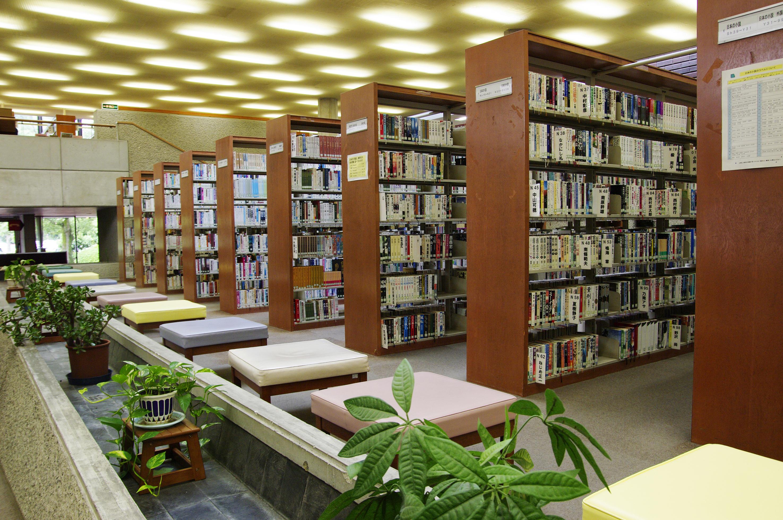 山口県立図書館(パークロード) VS 山口市立図書館(YCAM)!